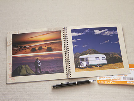 Personalised photo layout in photo book