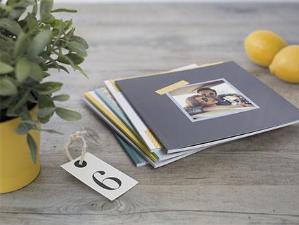 Une pile de Livres Photo Carrés Souples
