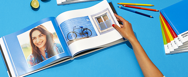 A4 Pantone Photo Book