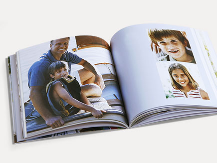 Fully personalised layout of photo album pages
