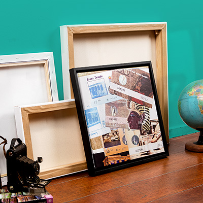 Travel canvas with souvenirs printed on